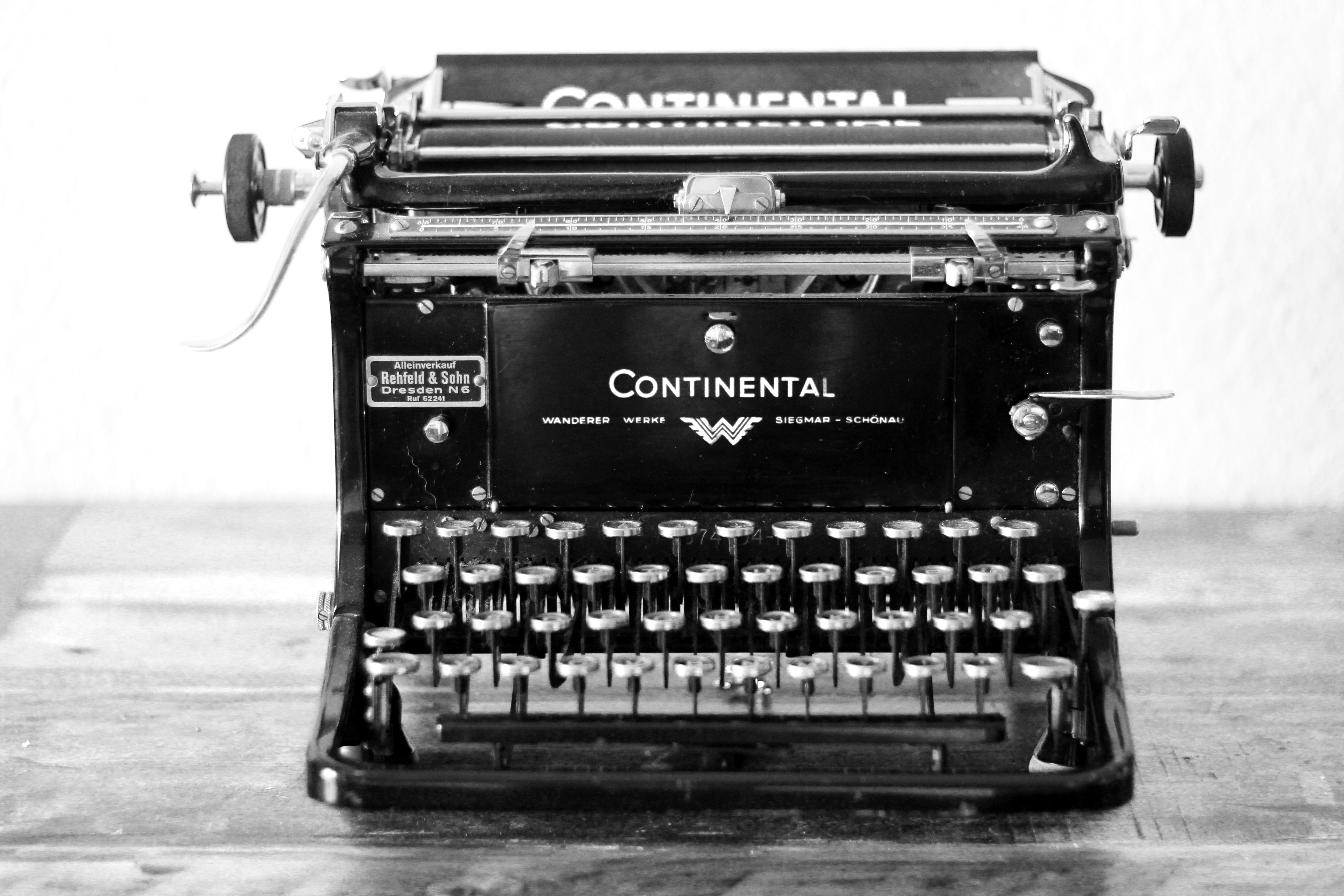schreibmaschine sw.jpg